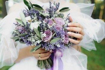 Свадебный букет невесты из лаванды