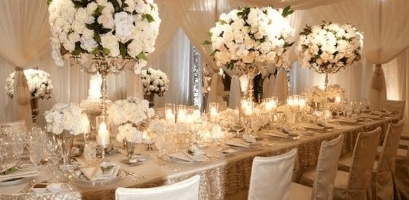 Прекрасные украшение машин гостей на вашей свадьбе