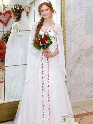Платья в русском стиле: русско-народные мотивы, шпательные и современные