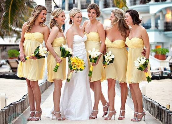 Вечерние платья на свадьбу 2020 (133 фото): новинки, короткие, нарядные, белые, летние, для невесты