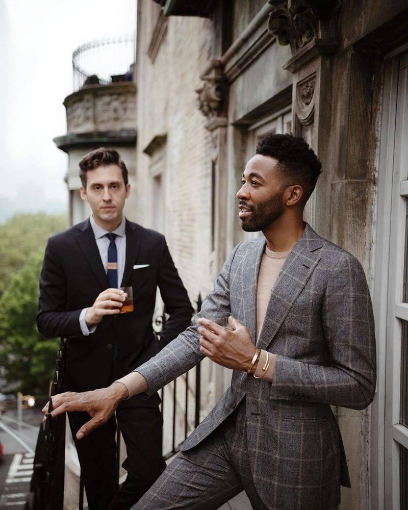 Мужские костюмы на свадьбу: элегантный образ гостя