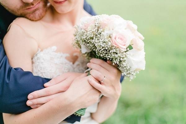 Что подарить друзьям на годовщину свадьбы?