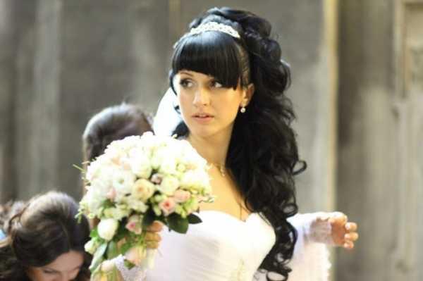 Свадебная прическа в греческом стиле. 50 модных вариантов на фото + видео урок.