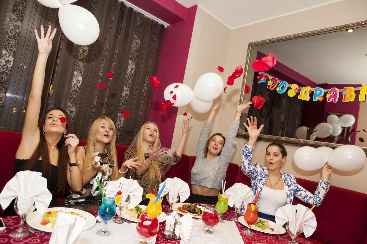 Конкурсы на девичник: сделаем праздник не скучным!