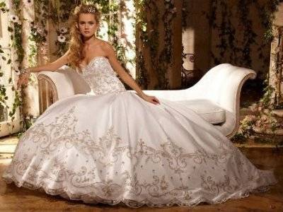 Как правильно отпарить и погладить свадебное платье в домашних условиях?
