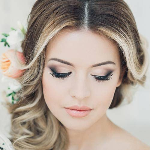 Макияж невесте на свадьбу: правила выбора цветовой гаммы и нанесения косметики