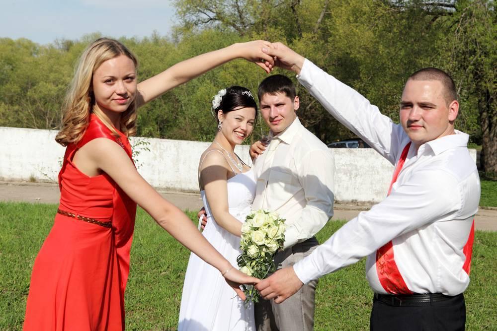 Нужны ли свидетели на свадьбе? почему должны быть холостыми и как их выбрать? приметы и обычаи