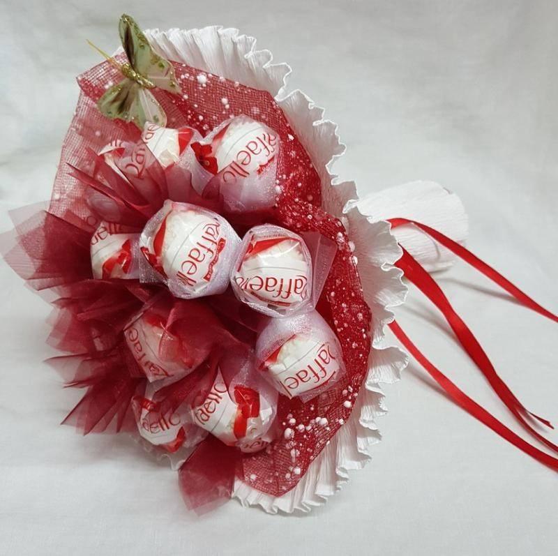 Как делаются букеты из конфет своими руками: пошаговая инструкция по созданию сладких цветов + 70 фото-идей