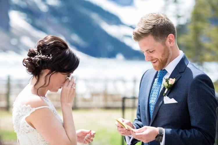 Свадебная клятва: трогательные романтичные и прикольные варианты речи на свадьбе для жениха и невесты, примеры
