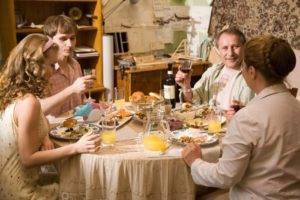 Знакомство с родителями жениха: традиции и советы