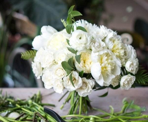 Букет невесты из живых цветов своими руками пошаговый урок