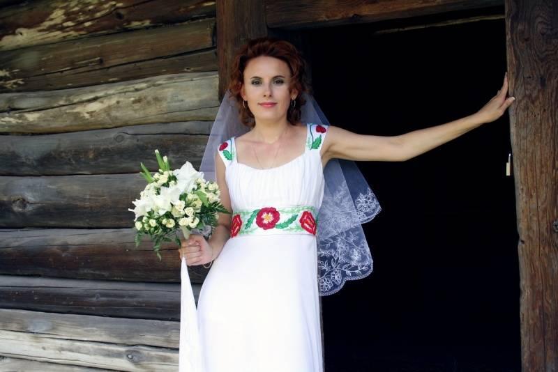 Великолепные модели платья с вышивкой: фото идеи нардов