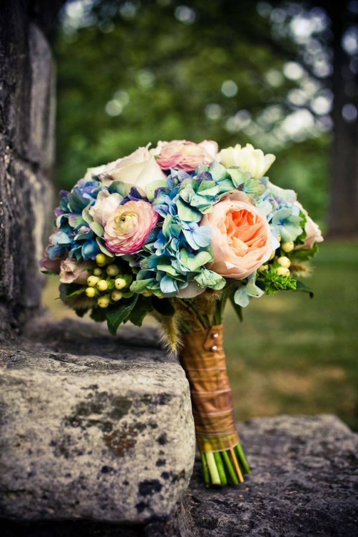 Идеи для оформления свадебного зала цветами