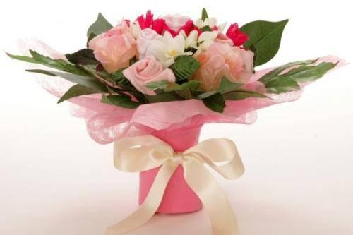 Можно ли подарить вместо цветов на свадьбу что-нибудь необычное?