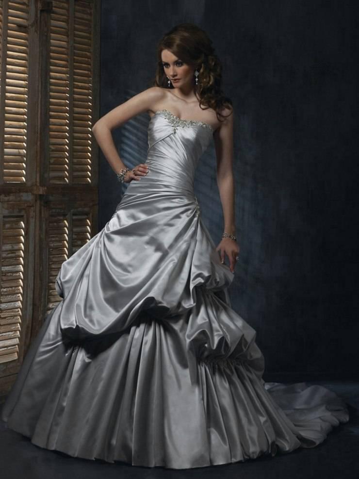 Ярко и оригинально: как выбрать цветное свадебное платье