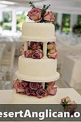 Свадебный торт: особенности дизайна и прочие нюансы выбора