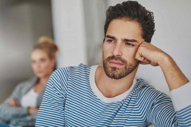 Почему мужчина изменяет, но не уходит: 16 очевидных причин