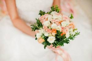 Свадебный букет невесты из живых цветов своими руками