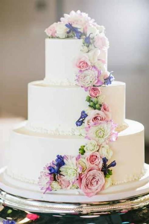 Необычные свадебные торты как запоминающиеся мгновения жизни