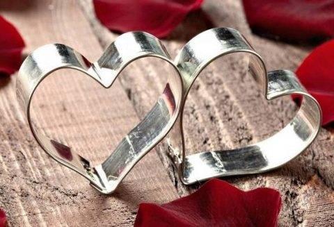 Прикольные подарки на годовщину свадьбы 10 лет. что подарить на десятилетие брака мужчине. идеи оригинальных подарков супругам