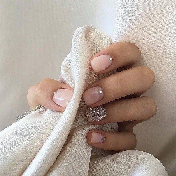 Создаем нежный дизайн на ногтях в модных тенденциях 2020 года