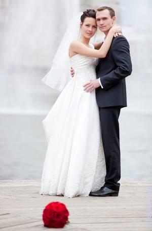 Что делать, если поймала букет невесты, и что это означает