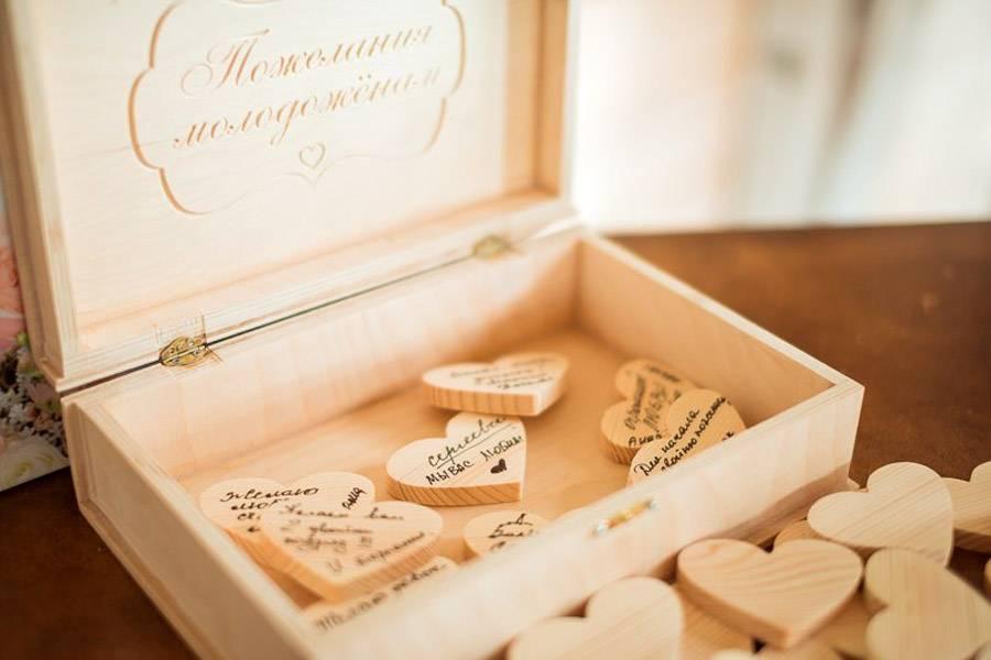 Что подарить мужу на деревянную свадьбу? выбираем прикольные подарки из дерева на 5 лет совместной жизни