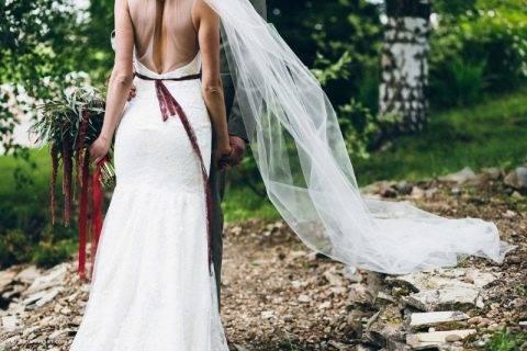 Свадебные прически с фатой. более 145 фото укладок на свадьбу с вуалью. | raznoblog - сайт для женщин и мужчин