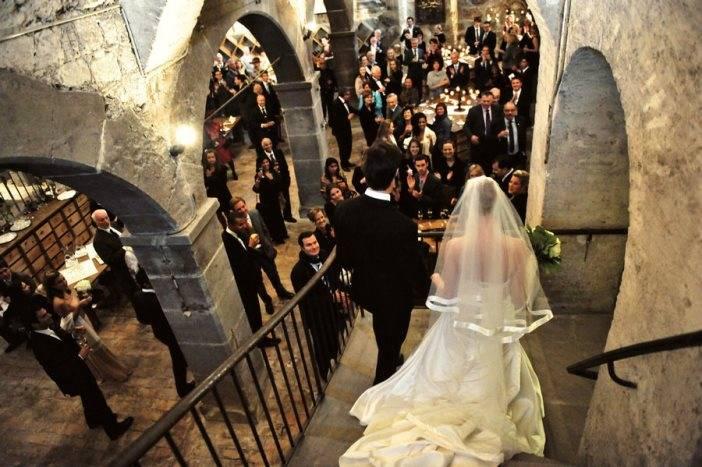Символические свадебные церемонии за границей