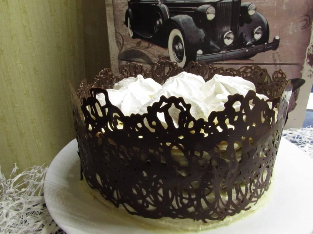 Как украсить торт своими руками в домашних условиях фруктами и ягодами, кремом, мастикой, сладостями, конфетами, шоколадом, клубникой, живыми цветами, взбитыми сливками, желе, глазурью, маршмеллоу, мармеладом, орео, безе, физалисом: идеи, фото