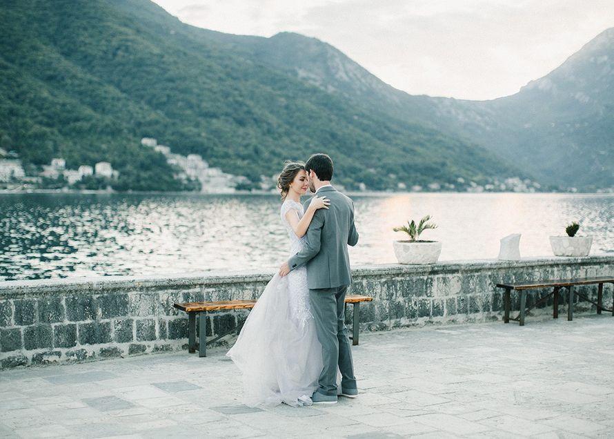 Выбираем вместе не белое свадебное платье