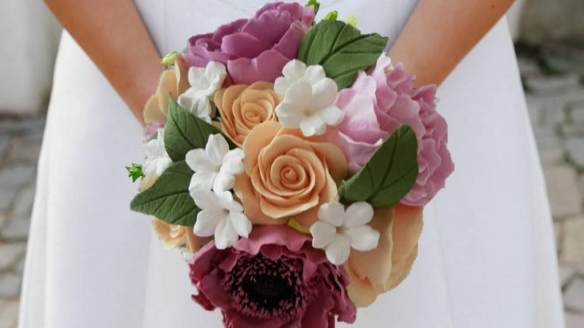 Свадебный букет из атласных лент (фото)