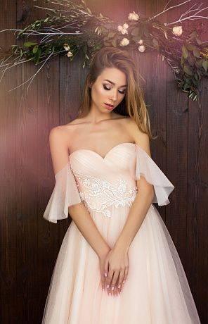 Невеста в розовом платье – выбор для смелых девушек — разъясняем тщательно