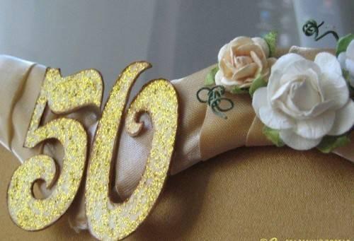 Что подарить на золотую свадьбу родителям, дедушке, бабушке, родственникам