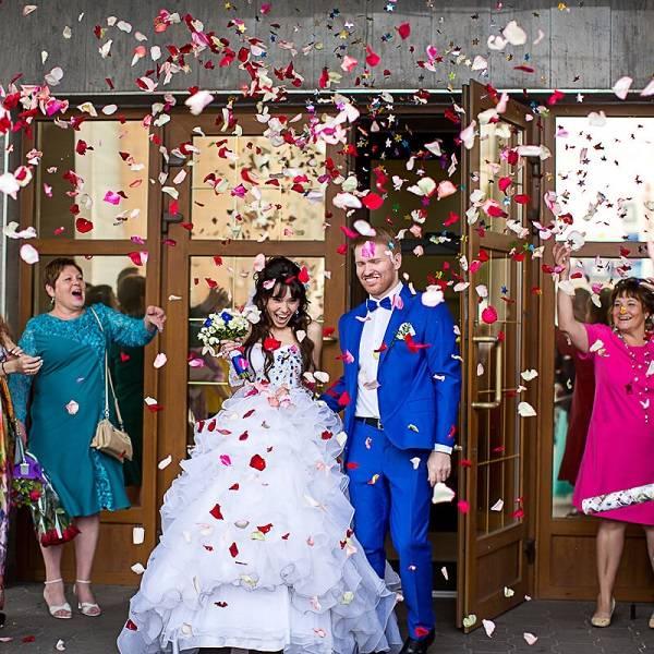 Что означает торжественная и неторжественная регистрация брака?