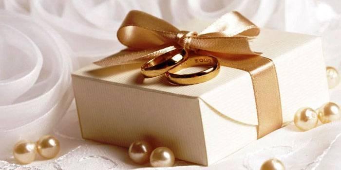 Выбираем прикольные подарки на свадьбу