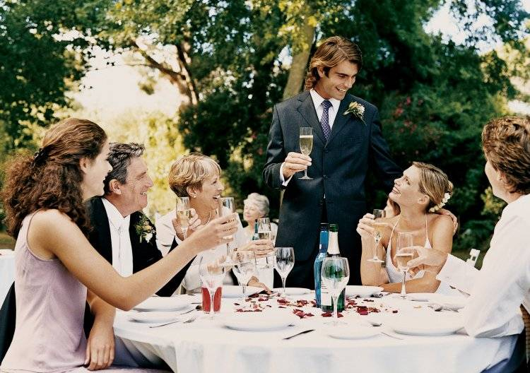 Короткие и прикольные тосты на свадьбу своими словами