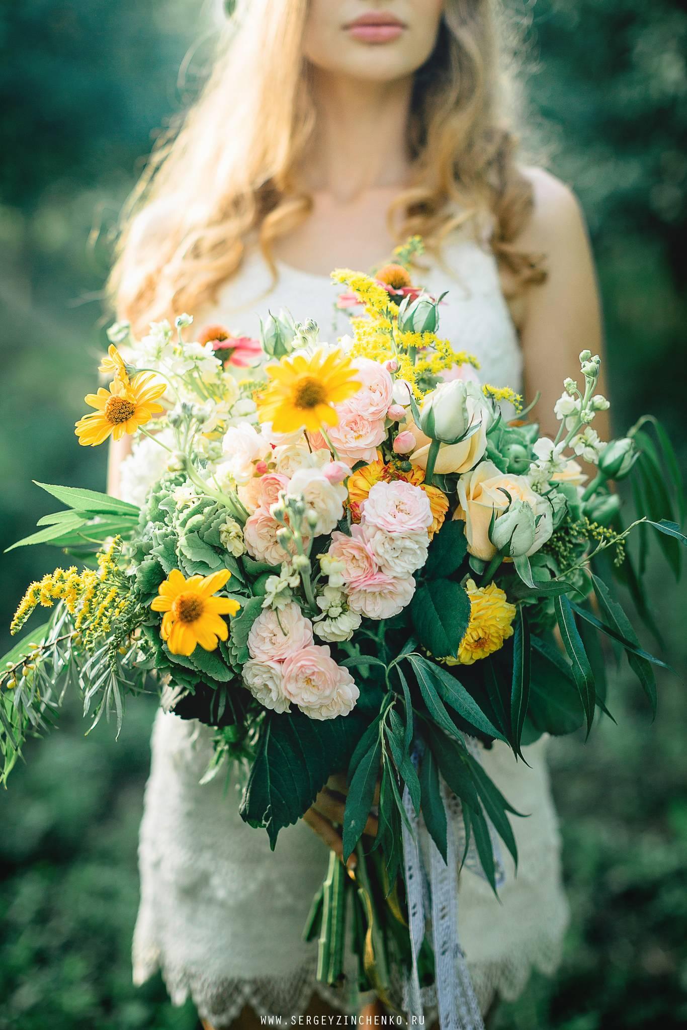 Какие цветы подойдут для августовского букета невесты
