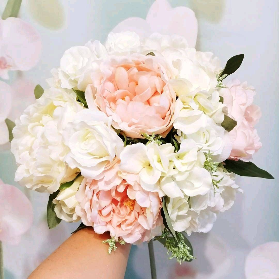 Самые модные букеты цветов 2020-2021: фото, идеи, тренды и тенденции флористики