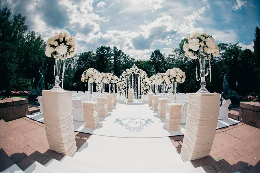 Гостиничный комплекс свадьба. отель для свадьбы в подмосковье. украшение гостиничного номера молодоженов