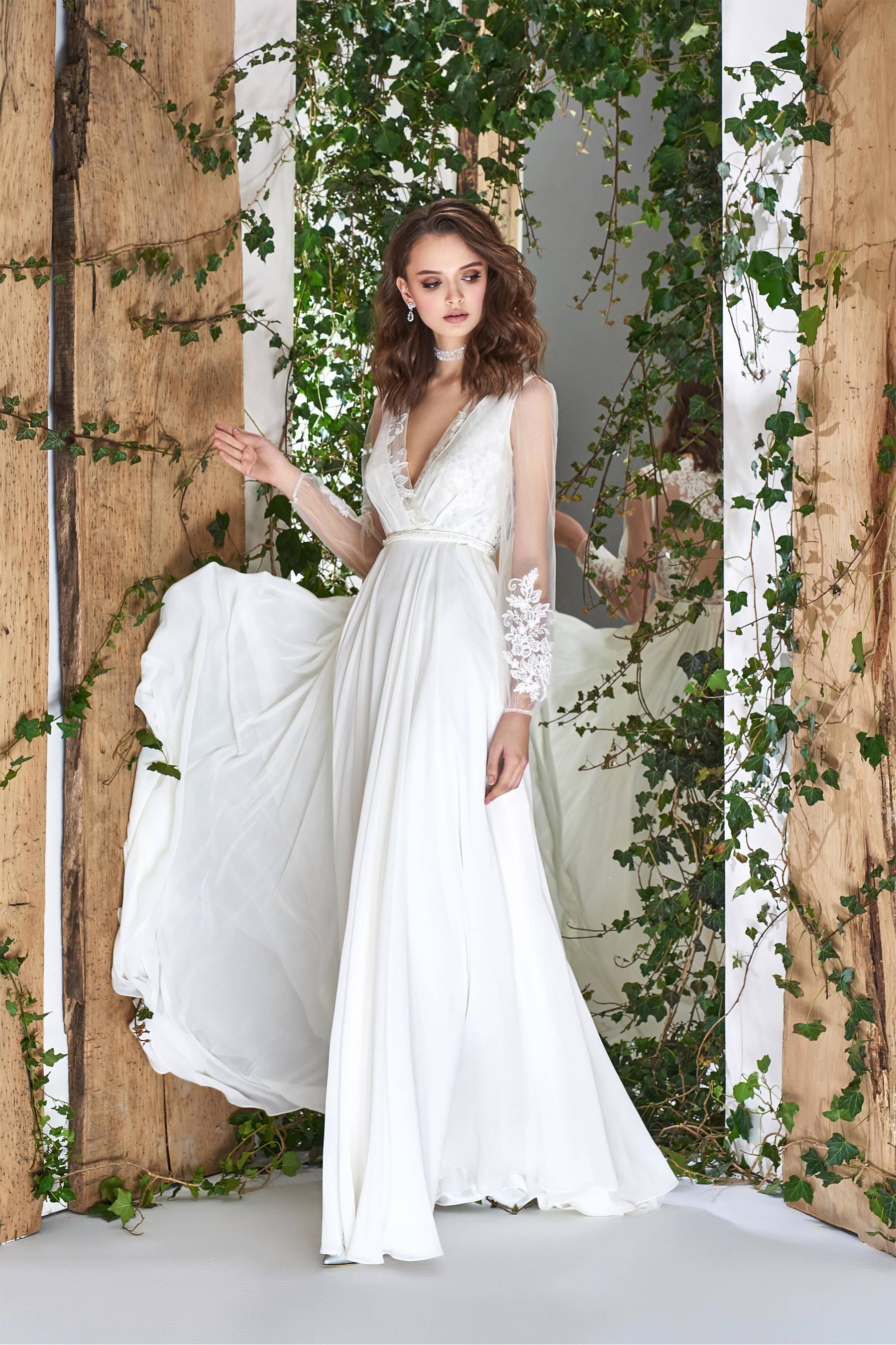 Изысканные фасоны платьев из трикотажа — новинки и тренды