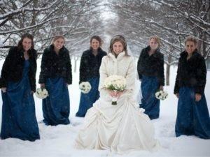 В чем пойти на свадьбу зимой?