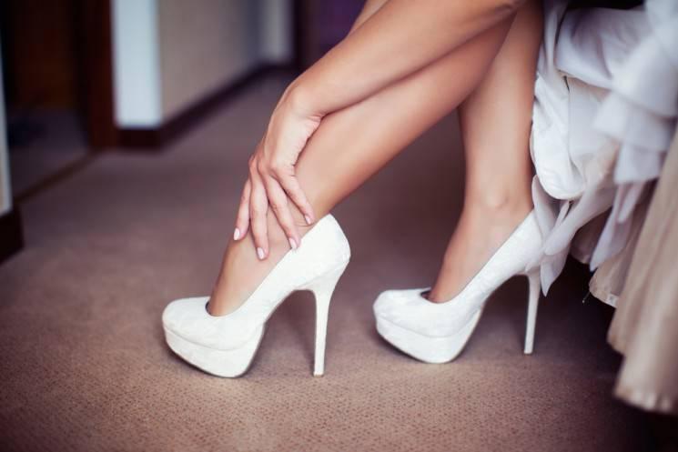 Летние босоножки 2020: фото модных женских босоножек на весну-лето на платформе, каблуке и танкетке | женский журнал читать онлайн: стильные стрижки, новинки в мире моды, советы по уходу