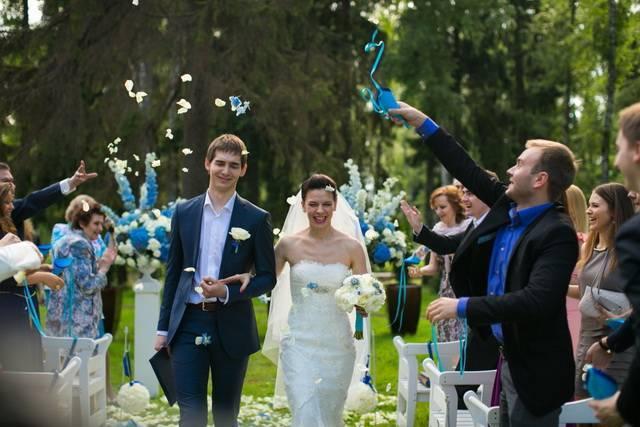 Небесно-голубая свадьба: легкость и воздушность