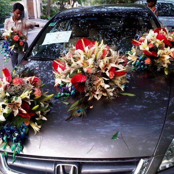 Как украсить машину на свадьбу своими руками?