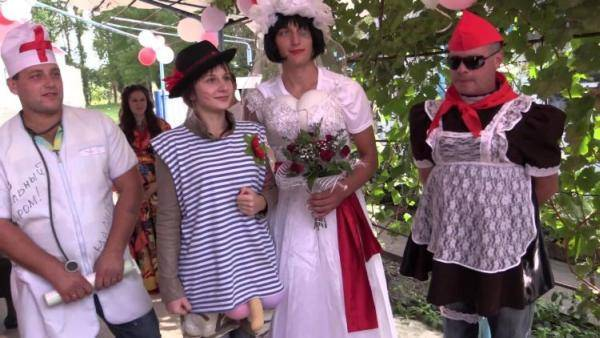 Свадебные конкурсы за столом
