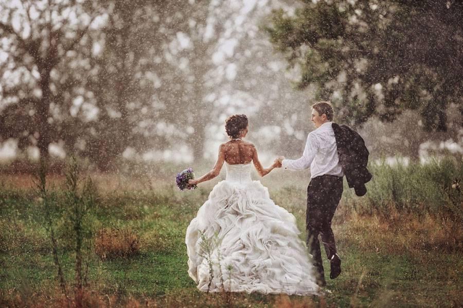 Интересные идеи для свадебной фотосессии летом
