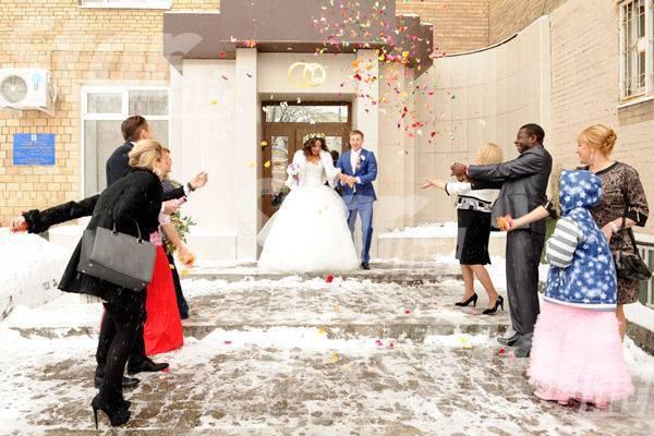 Знакомство родителей перед свадьбой: о чем говорить