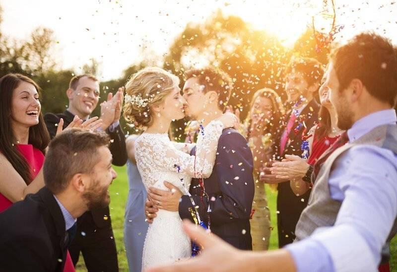 Приметы на свадьбу – что можно, а что нельзя. почему гости на свадьбе кричат горько и считают