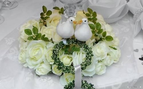 Цветы на свадьбе, их роль и значение
